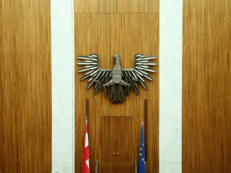 Geheimdienst-Gremium untersucht Spitzelvorwürfe aus Österreich
