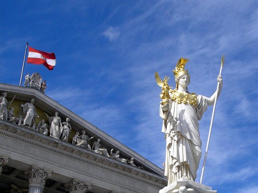 Österreichs Vizekanzler Mitterlehner tritt von allen Ämtern zurück