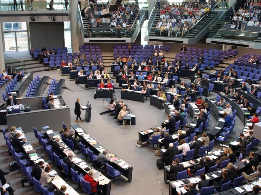 Bericht: Größerer Bundestag kostet Steuerzahler über 200 Millionen Euro