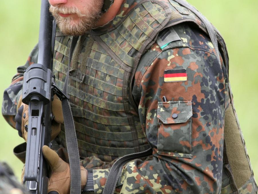 AKK will robusteres Mandat für Soldaten in Afrika