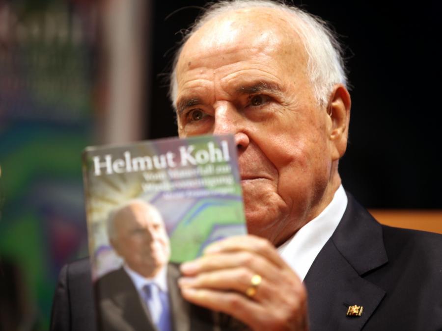 Gericht spricht Kohl eine Million Euro Schadensersatz zu