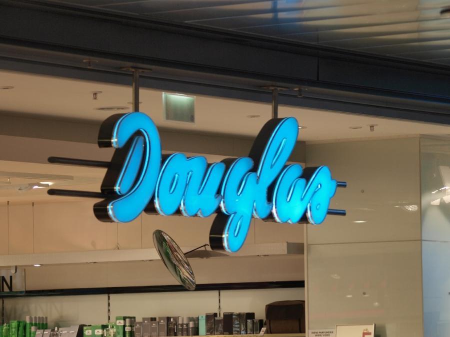 Parfümerie Douglas will in Premiumbereich zurückkehren