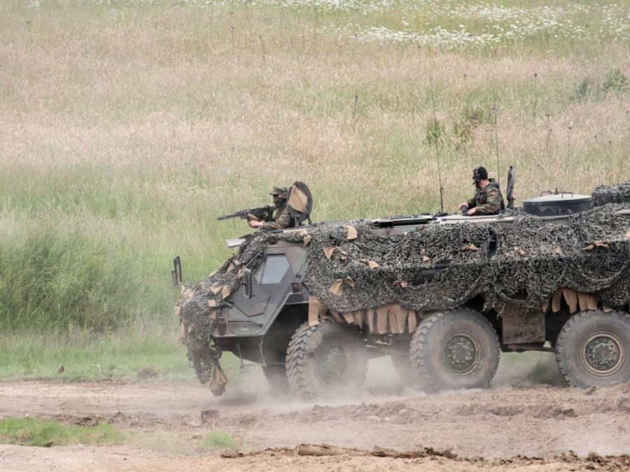 AKK will gegen Extremisten-Netzwerke in der Bundeswehr vorgehen