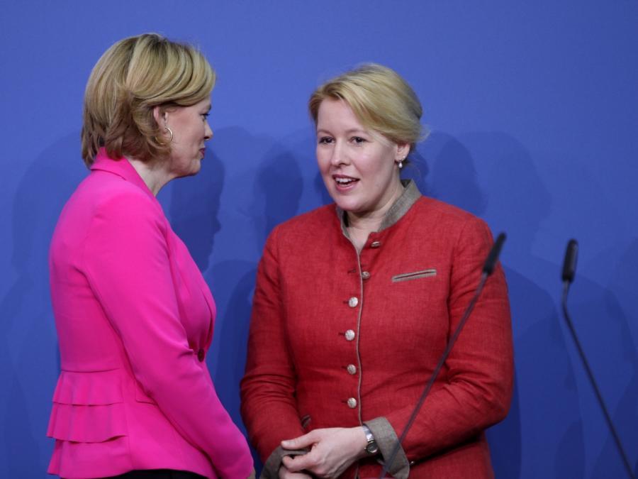 Zahl der Führungsfrauen in der Bundesregierung kaum gestiegen