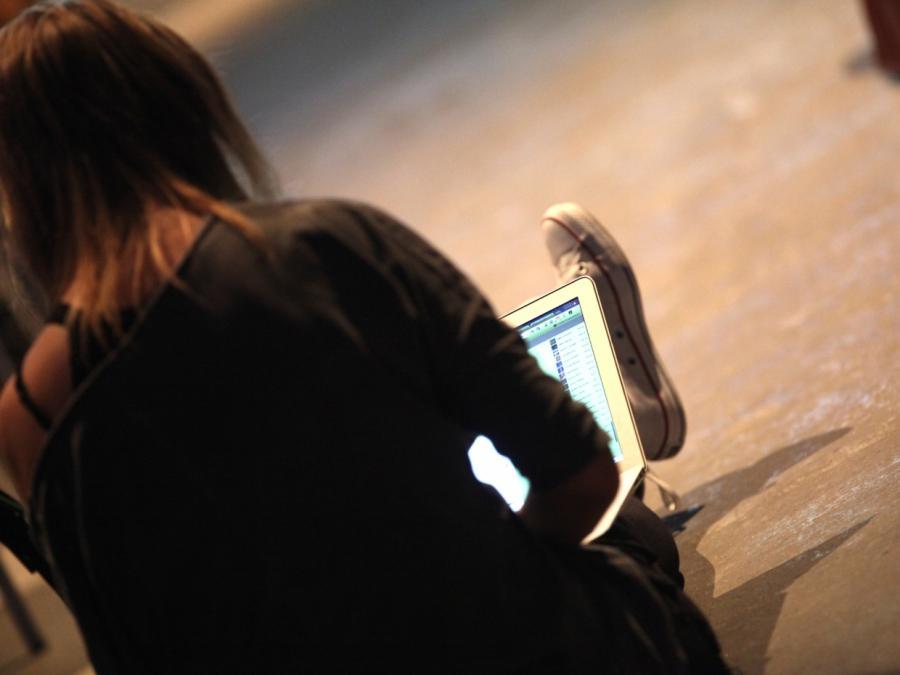 Umfrage: Mehrheit hält eigene Internet-Kenntnisse für befriedigend