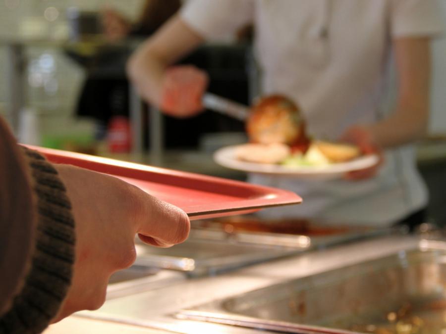 Starkoch Jamie Oliver: Schulessen lässt sich ganz leicht pimpen