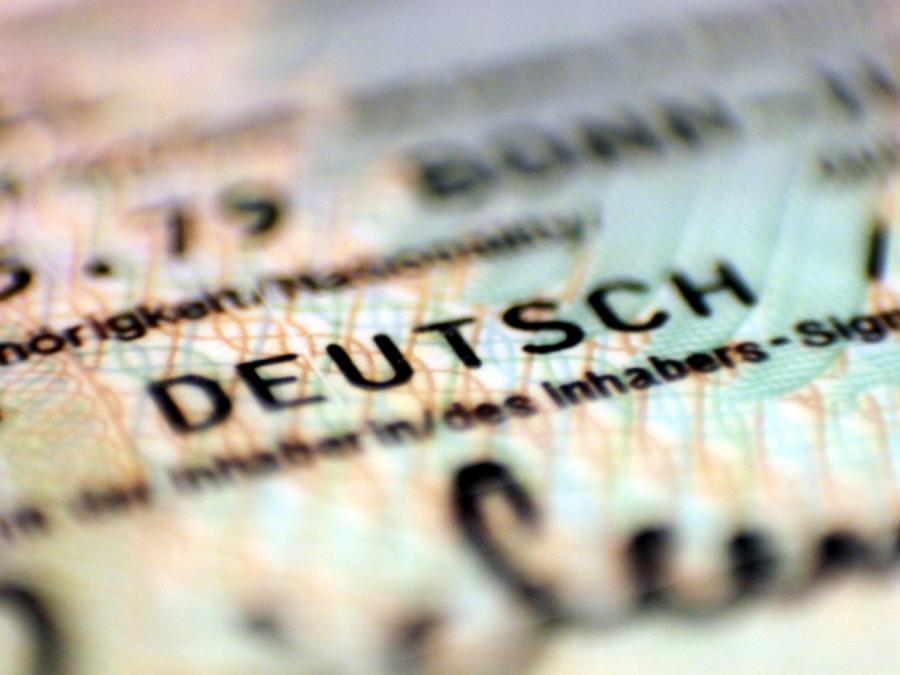 Brinkhaus für Überprüfung des Rechts auf doppelte Staatsbürgerschaft