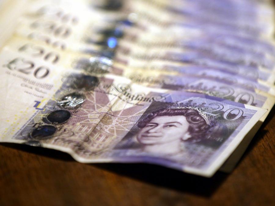 Pfund und Euro legen nach Wahl in Großbritannien zu