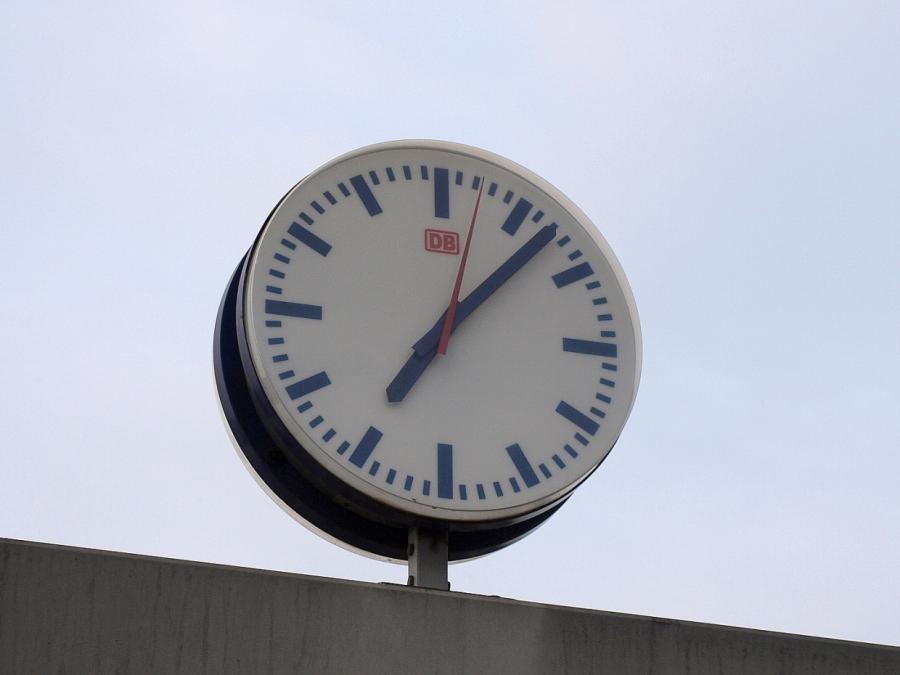 Physiker Rovelli: Es gibt die Zeit gar nicht
