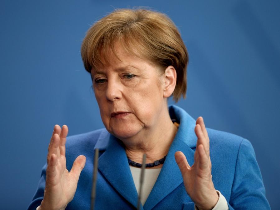 Merkel verspricht Vollbeschäftigung bis 2025