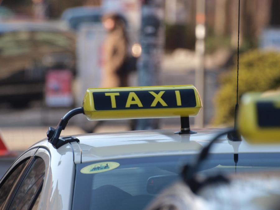 Wettbewerbsökonom kritisiert Regulierung des Taximarktes