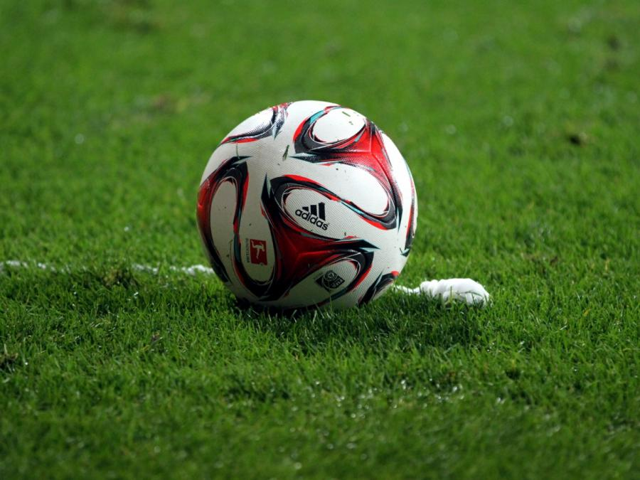 Würzburg sichert Aufstieg gegen Halle - Ingolstadt in Relegation