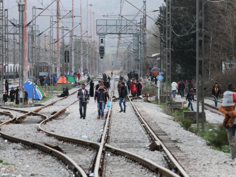Sachsens CDU-Fraktionschef kritisiert Merkels Flüchtlingspolitik