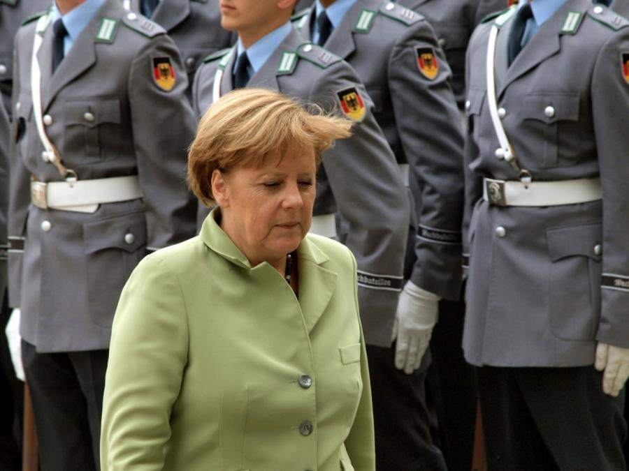 Ex-General Both wirft Merkel