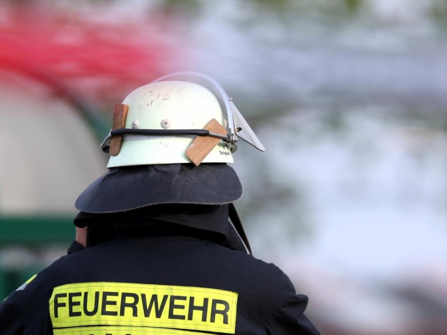 Ein Todesopfer bei Garagenbrand in Oberbayern