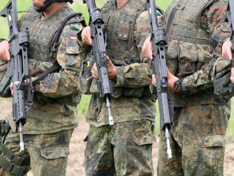 Merkel: Bundeswehr wichtiger Teil unserer Gesellschaft