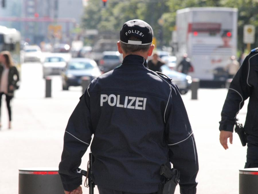 Berliner Polizeipräsidentin sorgt sich um Schutzausrüstung