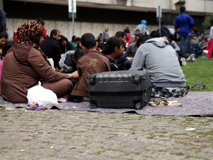 Asylstreit: Schuster schlägt Transitzentren als Lösung vor