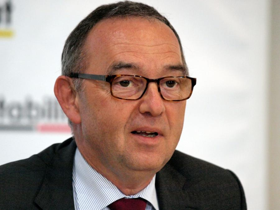 Ex-NRW-Finanzminister steigt bei Bürgerbewegung