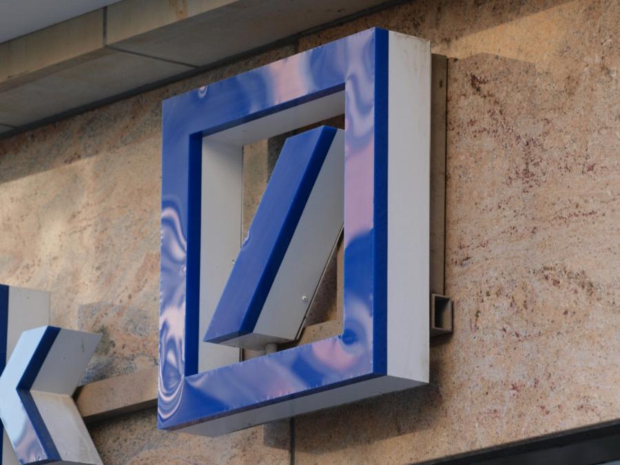Deutsche-Bank-Chef rechtfertigt Gesprächsabbruch
