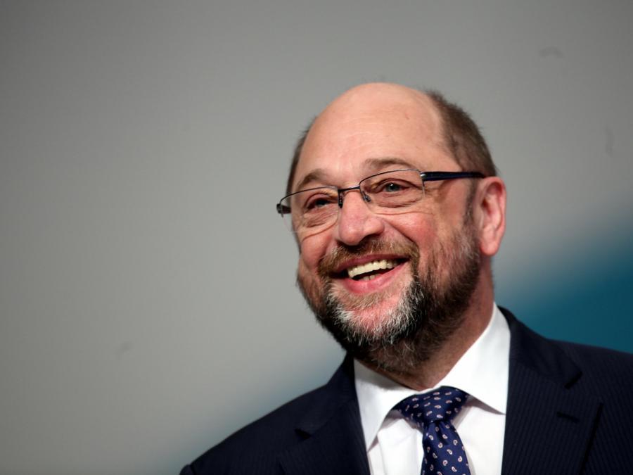 Schulz stärkt Merkel in Auseinandersetzung mit CSU den Rücken
