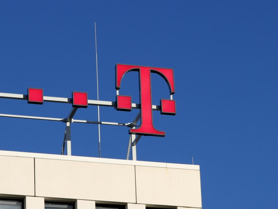 Vertrag mit Telekom-Chef Höttges um fünf Jahre verlängert