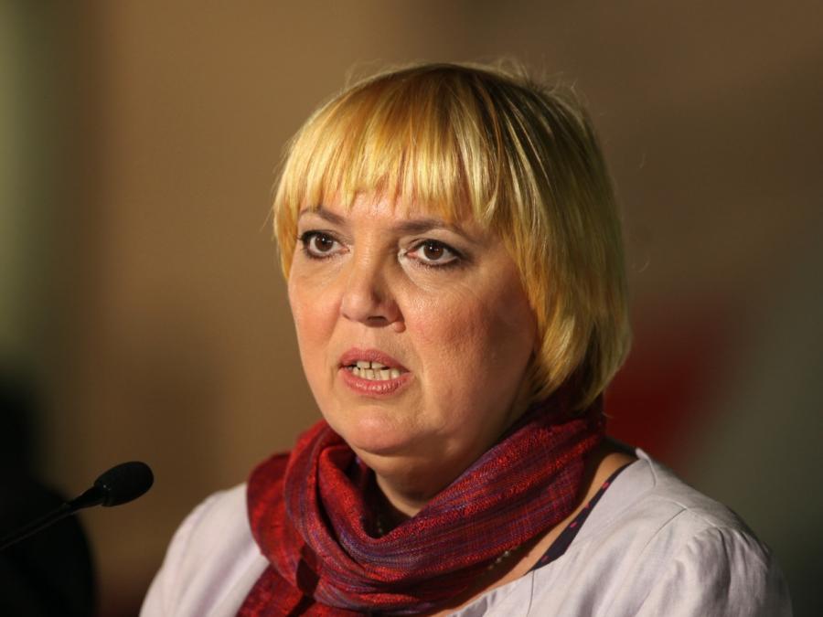 Claudia Roth kritisiert Strukturen beim DFB