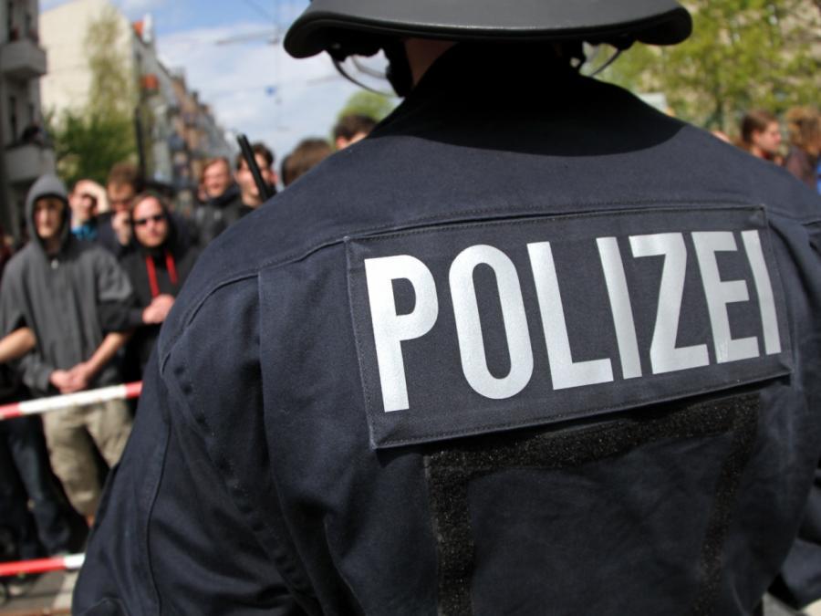 Tausende Disziplinarverfahren gegen Polizei- und Zollbeamte