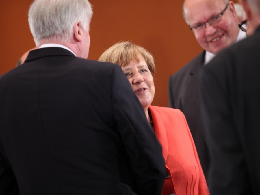 Altmaier warnt Union vor Merkel-Debatte