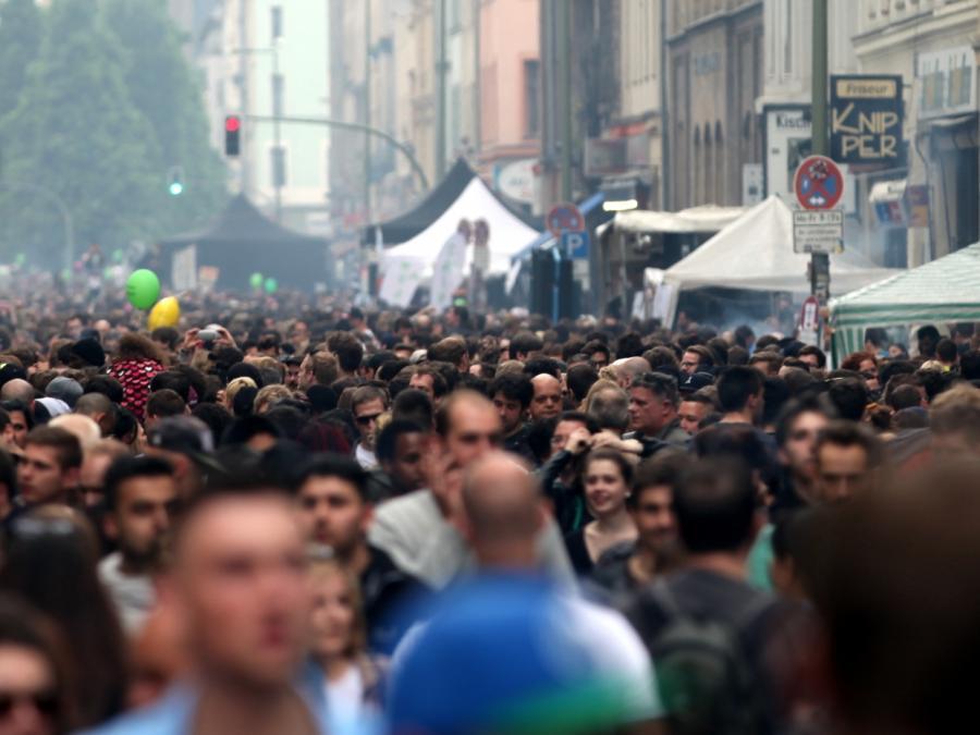 Studie: Meinungsfreiheit ist liebstes Grundrecht der Deutschen