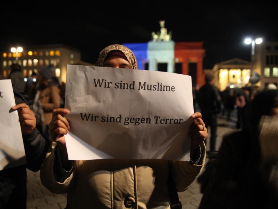 Kurnaz: Muslime sollten sich deutlicher von Terror distanzieren