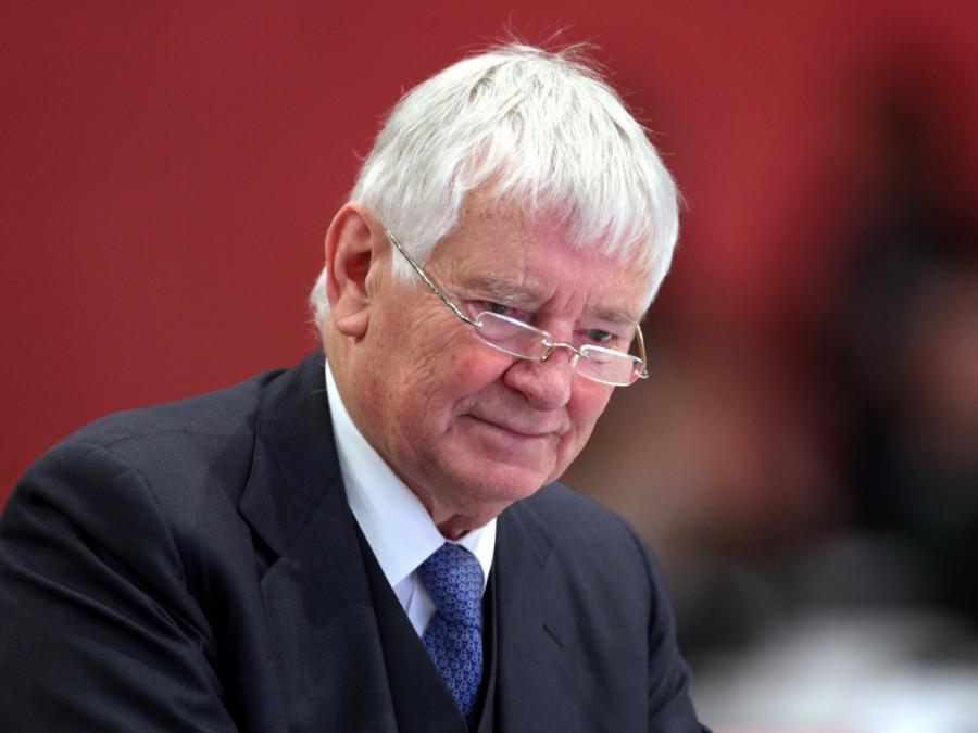 Ex-Innenminister Schily für BAMF-Untersuchungsausschuss
