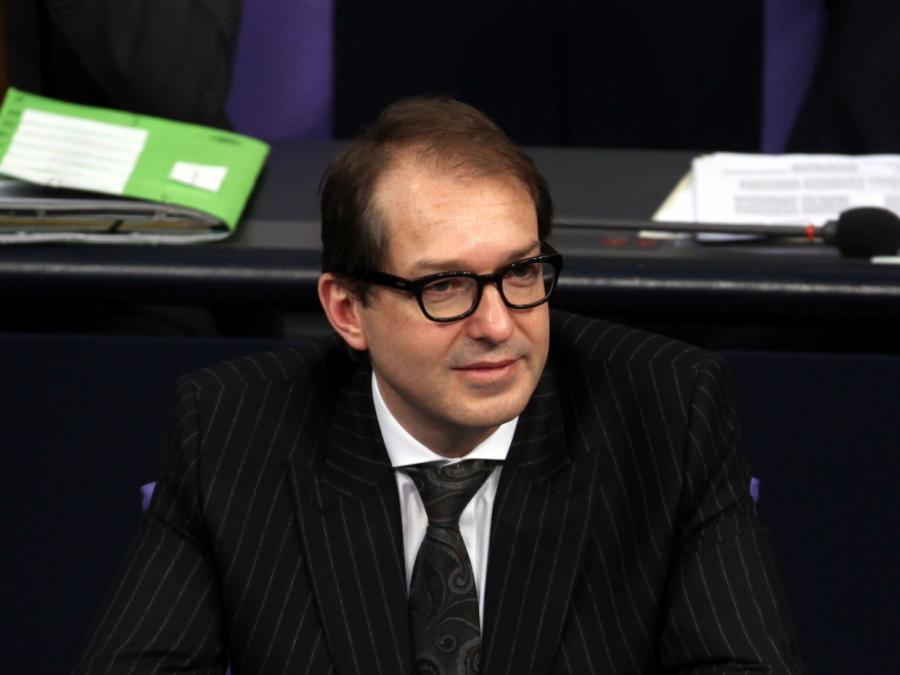 Dobrindt will Islam-Debatte weiterführen