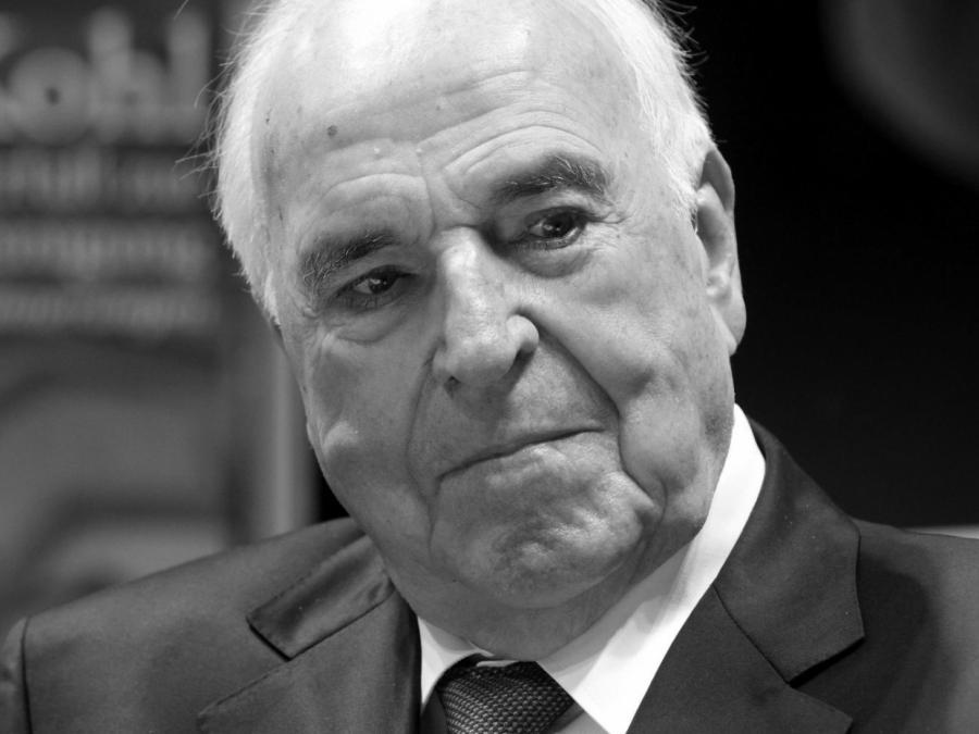 Trauerfeier für Altkanzler Kohl beginnt in Straßburg