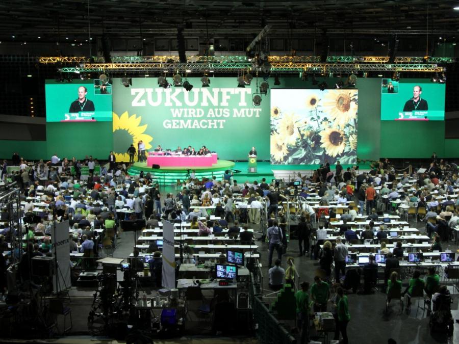 Grüne kritisieren CSU wegen Anspruch auf Innenministerposten