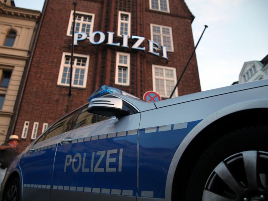 Hamburg: 54-jähriger Rollerfahrer stirbt bei Verkehrsunfall