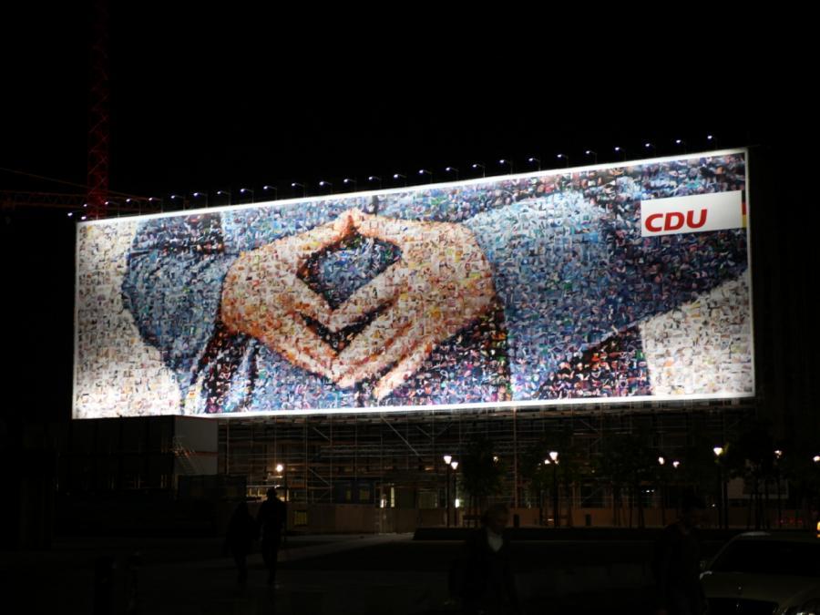 Bericht: Merkel spendete CDU 2016 ungewöhnlich viel Geld