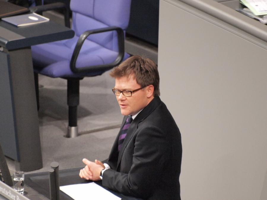 SPD-Parlamentsgeschäftsführer fordert Ende des Beherbergungsverbots