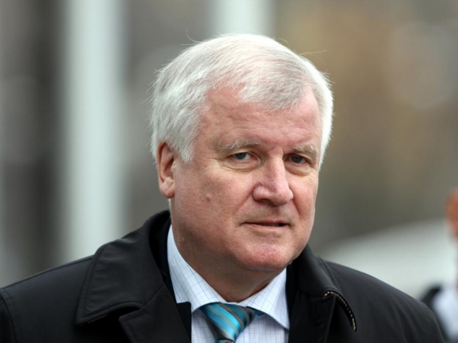 Seehofer weist kursierende Ministerlisten zurück