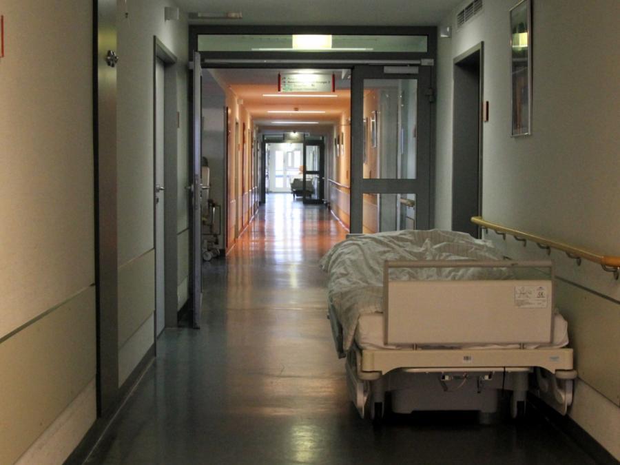 Jeder dritte Pfleger arbeitet am Limit