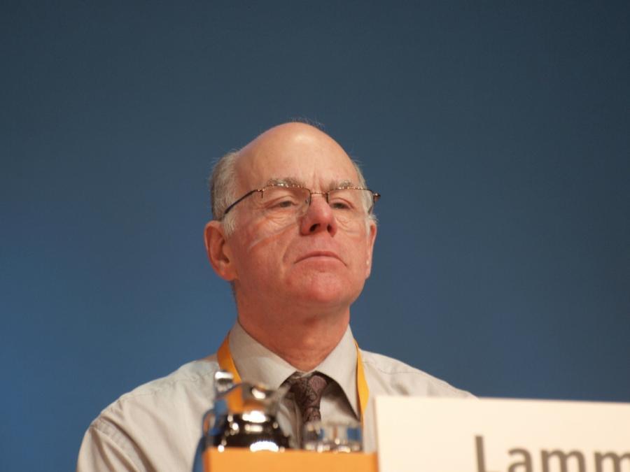 Lammert: Kritik an strategisch wichtigen Regierungen offen ansprechen