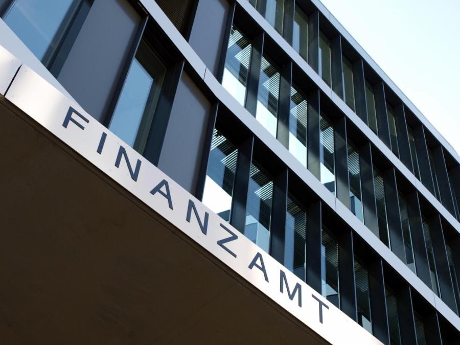 Finanzamt macht Fehler - Selbstständiger muss keine Steuern zahlen