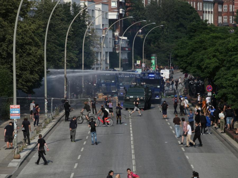 Neue Ausschreitungen bei Protesten in Hamburg
