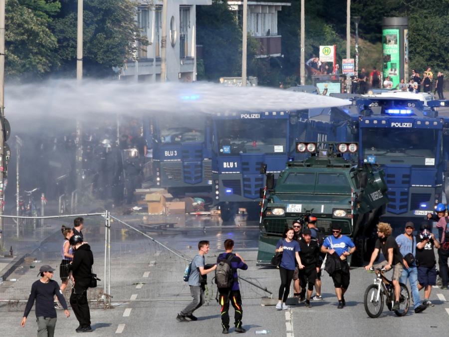 Krawalle in Hamburg: Zahl der verletzten Polizisten steigt auf 175