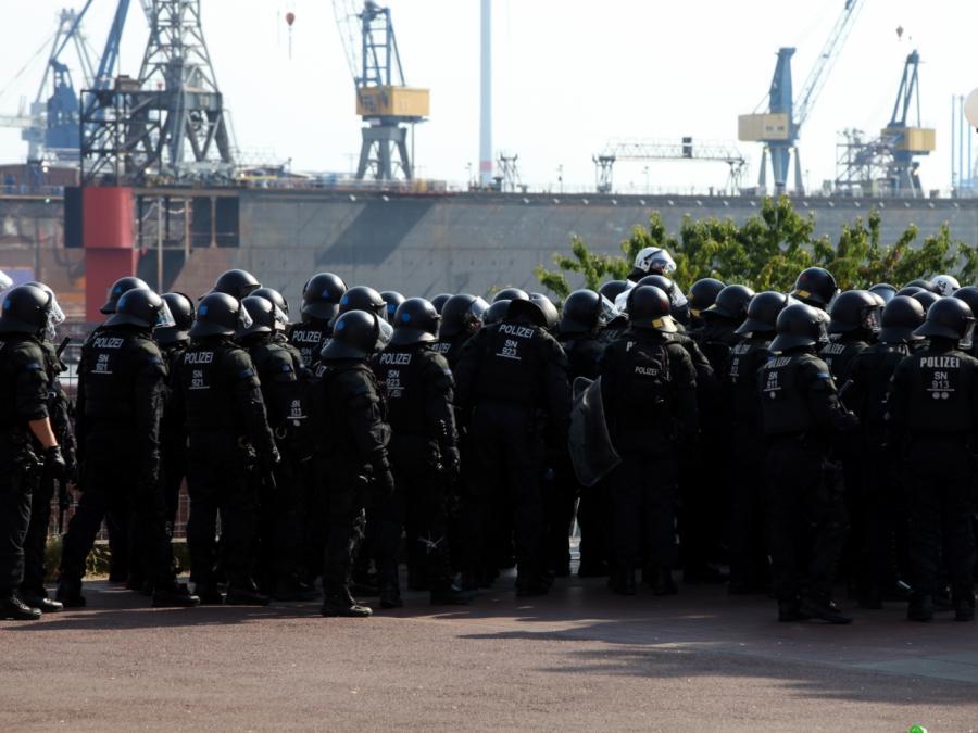 Bericht: 95 Ermittlungsverfahren gegen Polizisten nach G20-Gipfel