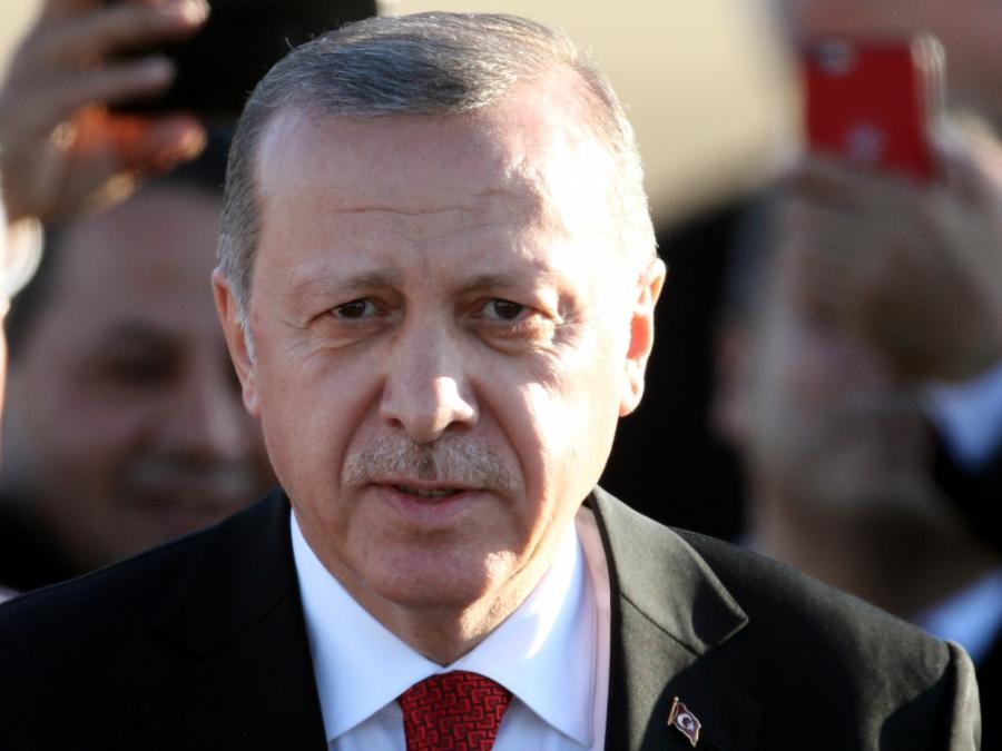Erdogan wird bei Staatsbesuch von vielen Vertrauten begleitet