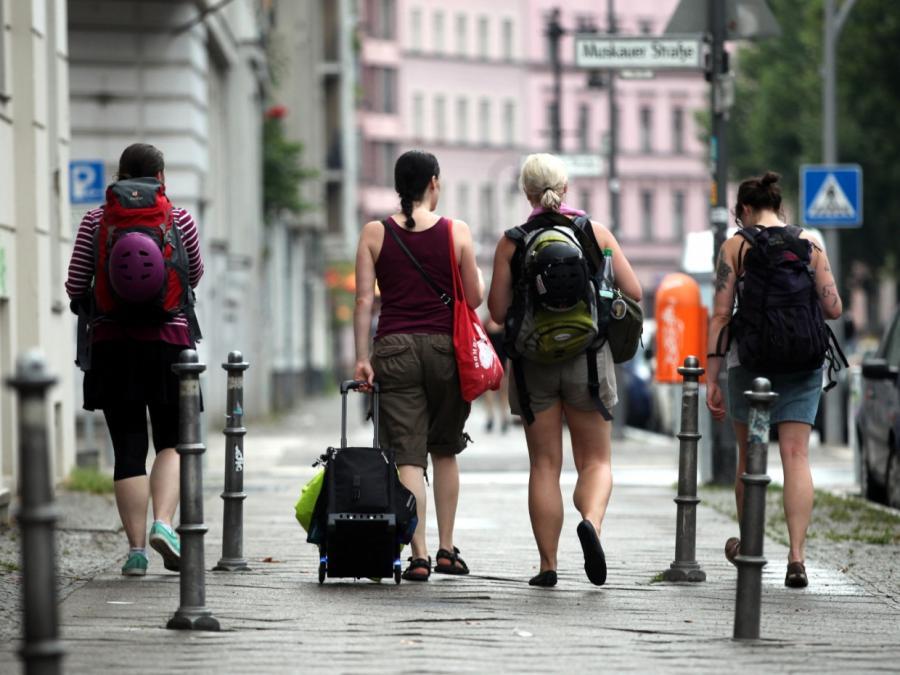 Airbnb-Reisende geben in Deutschland über eine Milliarde Euro aus