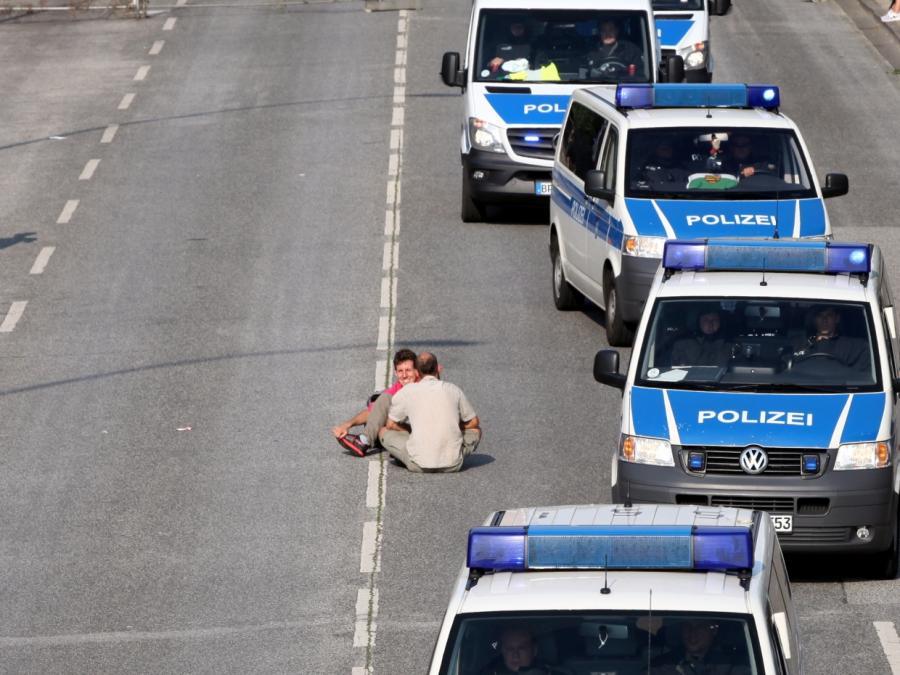 Hamburgs Polizeipräsident räumt Fehler bei G20-Einsatz ein