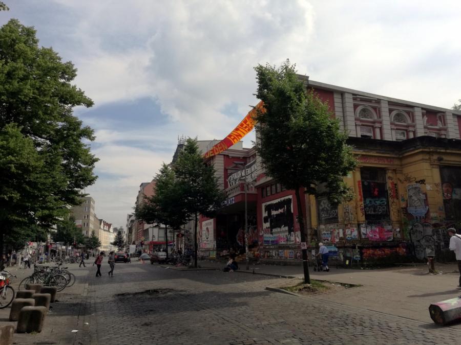 Kanzleramtschef Altmaier droht mit Schließung der Roten Flora