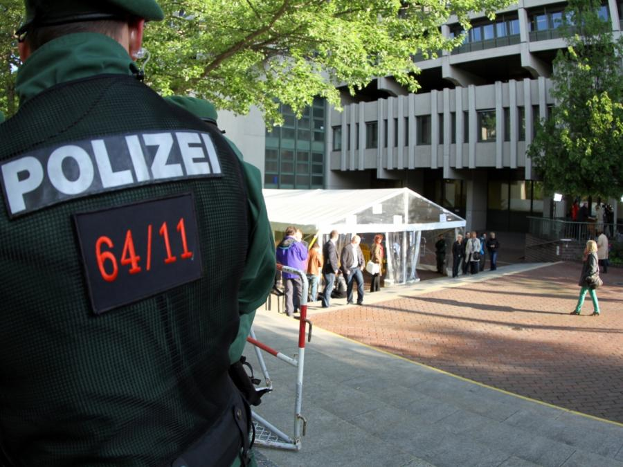 Bundestagsvize Pau wirft Behörden